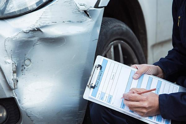 مراحل و مدارک جهت دریافت خسارت بیمه بدنه چیست